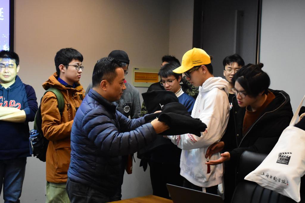 http://news.shu.edu.cn/__local/5/13/03/5375AB24721A19B64BBB3AEC80D_8BE7AC60_13159.jpg