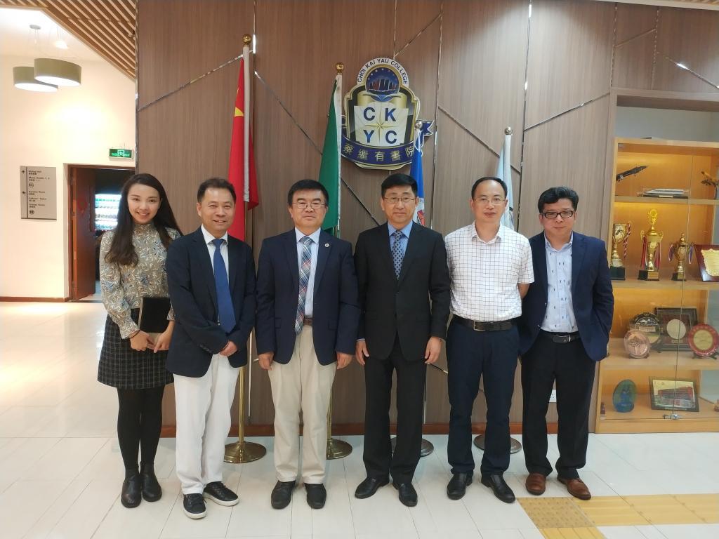 http://news.shu.edu.cn/__local/E/84/C9/1A67B195CD8315A6AC48437F6AB_3EC97181_17AD6.jpg
